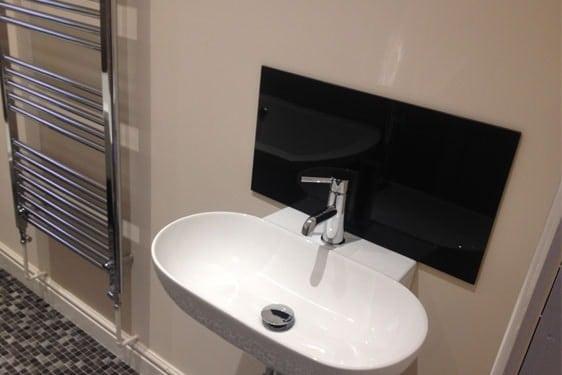 Small Bathroom Glass Splashback