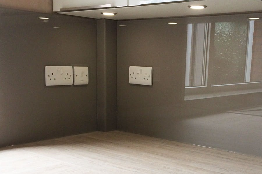 Bathroom grey walls - Glass Splashback Coloured In Farrow Amp Ball Charleston Gray