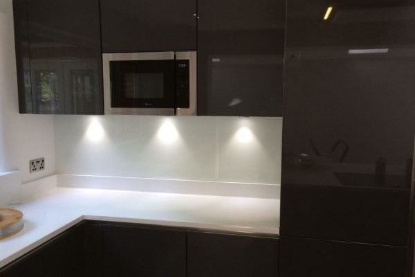 Glass Splashback in Farrow and Ball Wevet No 273 (1)