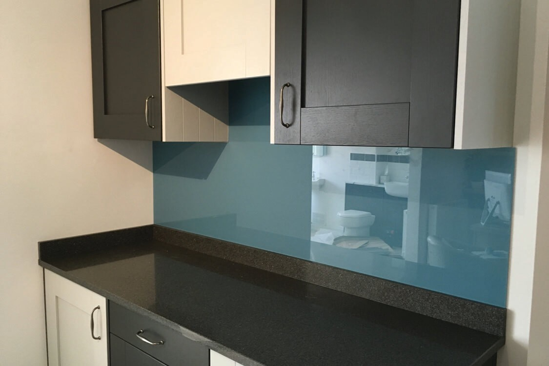 Kitchen Glass Splashback Top Hat Coloured in Farrow & Ball Stone Blue