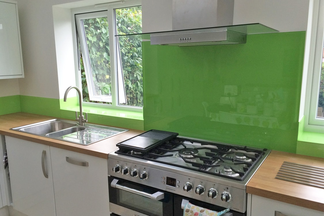 dulux-kiwi-burst-glass-splashback