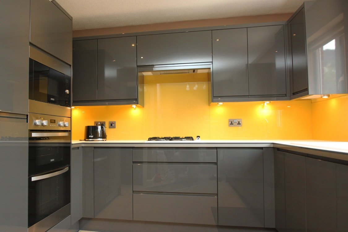 Glass Splashback Coloured in Farrow & Ball Babouche No.223