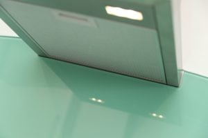 hob cut out in glass splashback