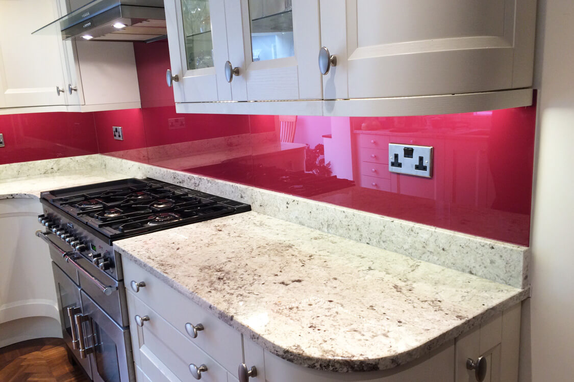 top-hat-glass-splashback-coloured-in-farrow-and-ball