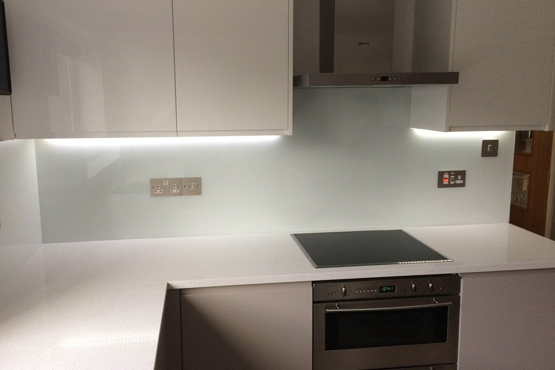 glass-splashback-complete-with-socket-and-switch-cutouts