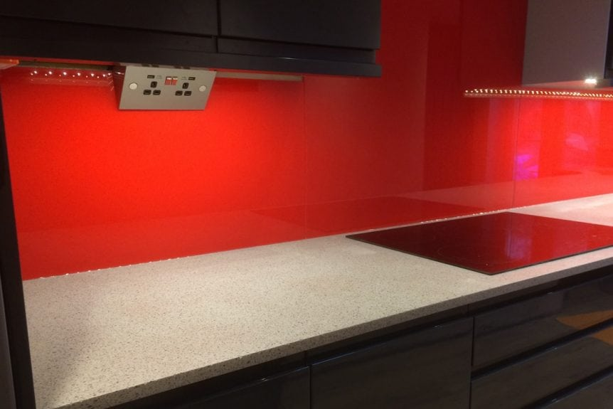 candy red glass splashback in 3 pieced top hat