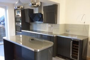 kitchen glass splashback colored in farrow and ball pavilion gray