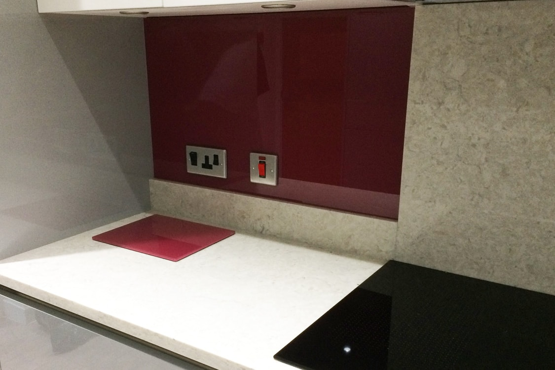 Glass Splashback with glass toaster plate