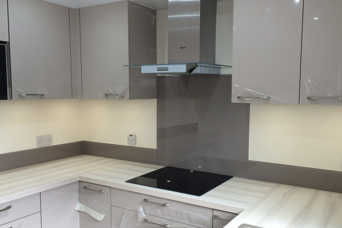 Glass Splashback With Upstands