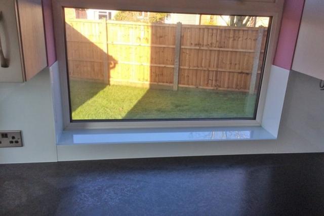 Kitchen Window Will Glass Window Sill in Arctic White