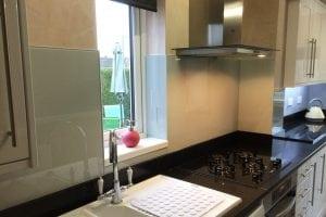 Pavilion Gray Glass Splashback Behind Kitchen Hob