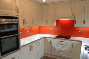 Top Hat Glass Splashback Coloured in Farrow and Ball Charlottes Locks