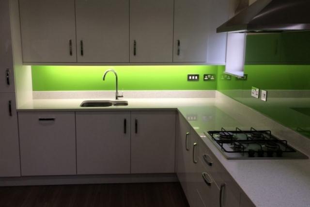 Dulux Kiwi Burst Glass Splashback Under Kitchen Cupboards