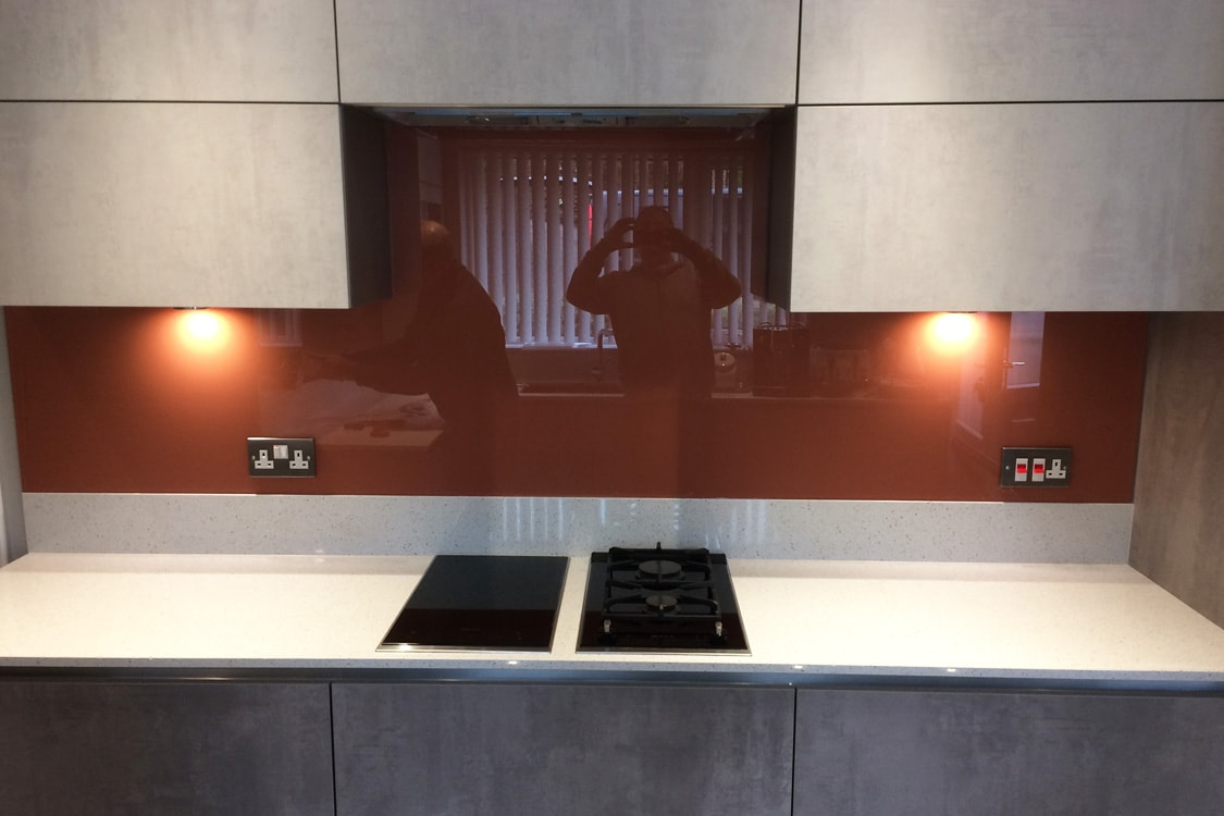 Glass Splashback Coloured in Farrow & Ball Red Earth