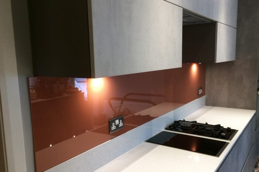 Kitchen Glass Splashback Finished in Farrow & Ball Red Earth