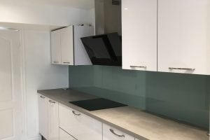 Glass Splashback Coloured in Farrow and Ball Dix Blue