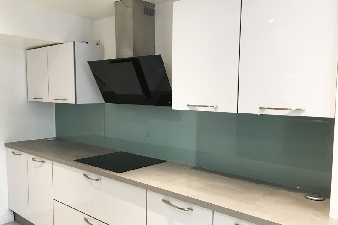 Kitchen Glass Splashback Coloured in Dix Blue from Farrow and Ball