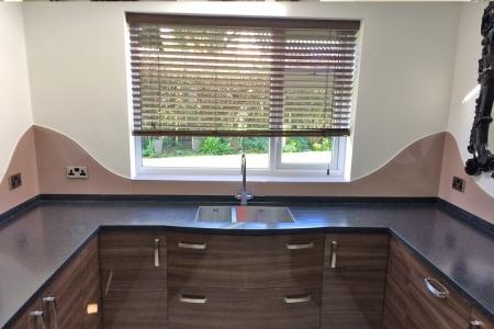 Dulux Muddy Puddle Curved Kitchen Glass Splashback