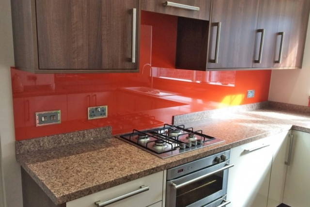 Custom Cut Kitchen Glass Splashback Coloured in Charlottes Locks
