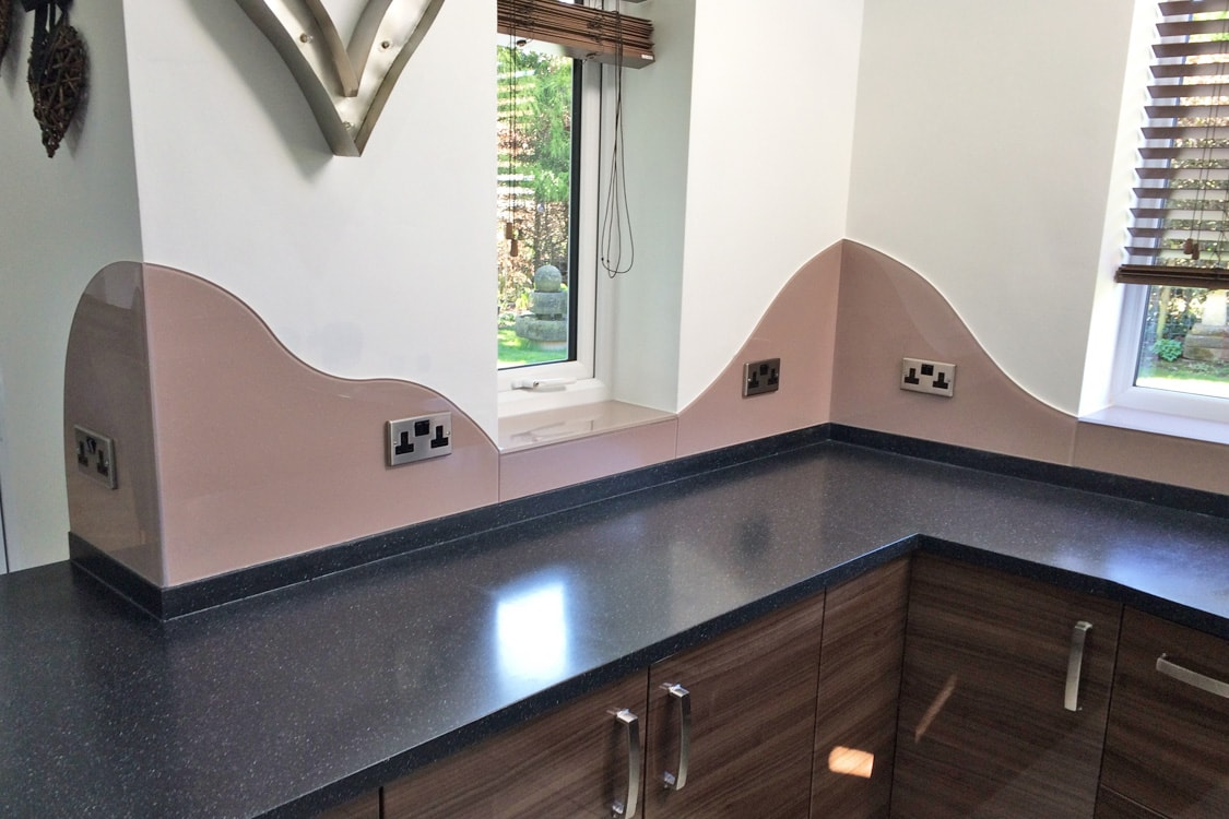 Glass Splashback Cut to Fit a Wavy Design Finished in Dulux Muddy Puddle