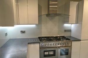 Glass Splashback in Farrow and Ball Wimborne White Full Application
