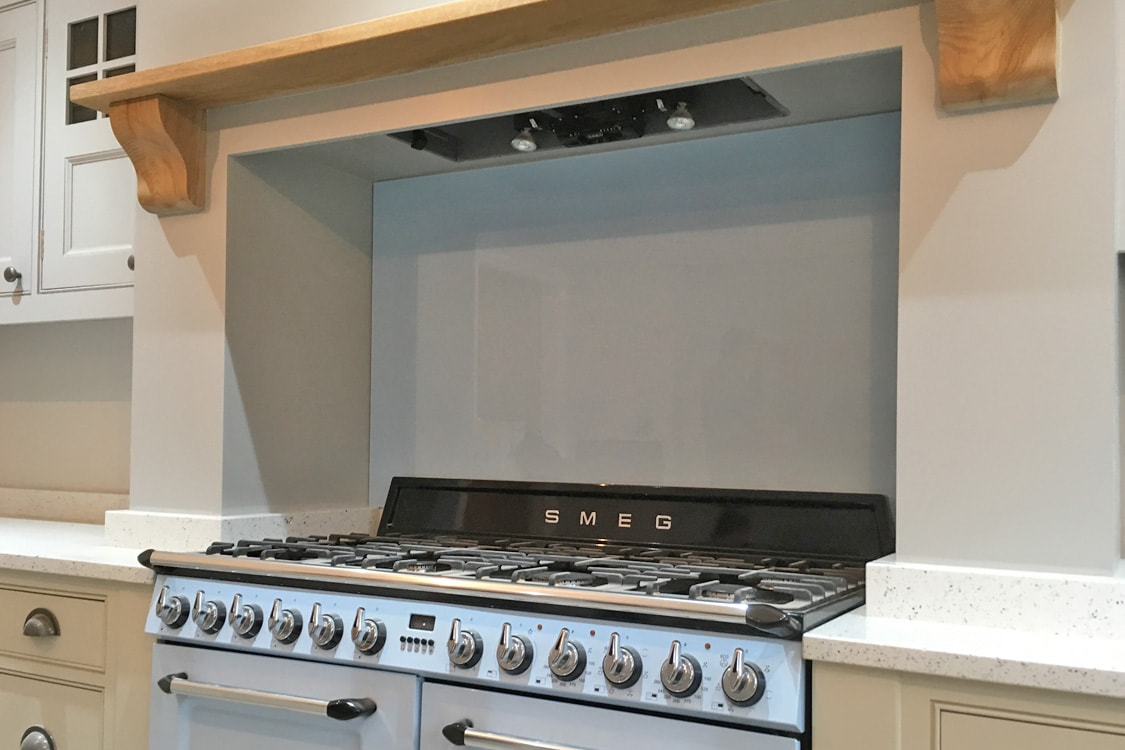 Toughened Glass Splashback Behind a Smeg Cooker