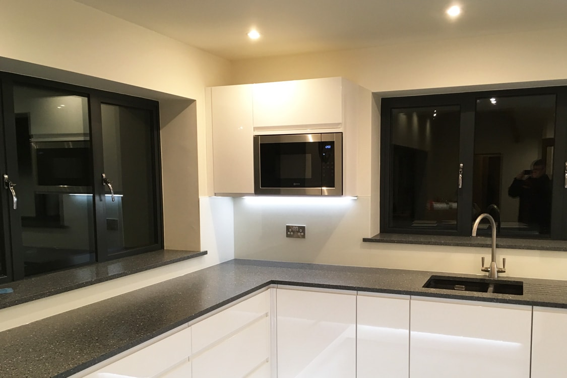 Kitchen Glass Splashback in Wimborne White Lit with LED light