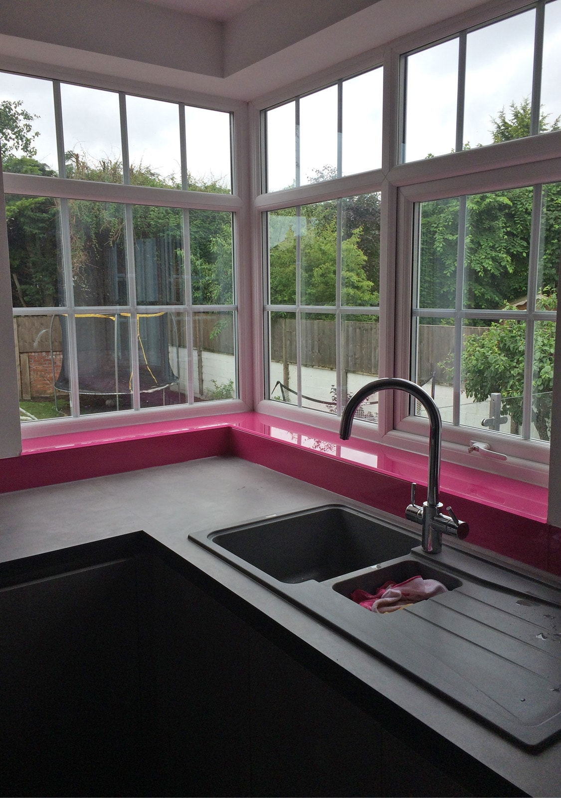 Kitchen Glass Window Sill in Hot Pink