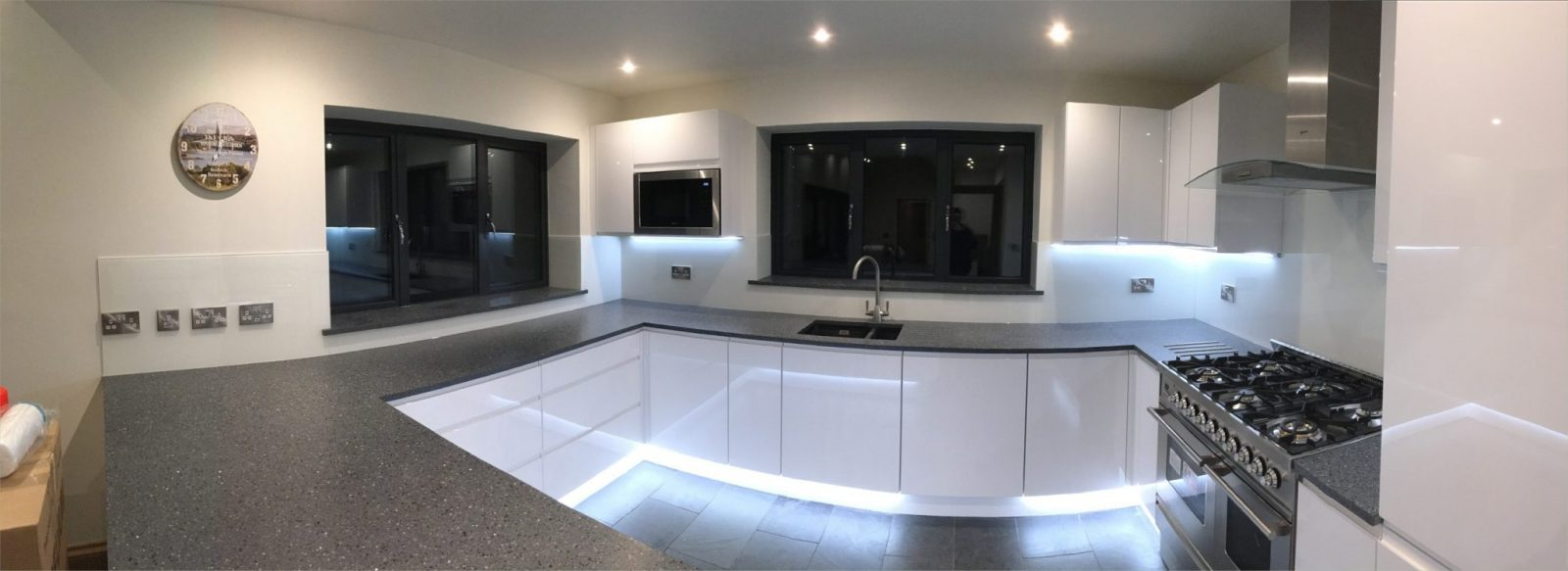 Stunning Full Kitchen Glass Splashback Application