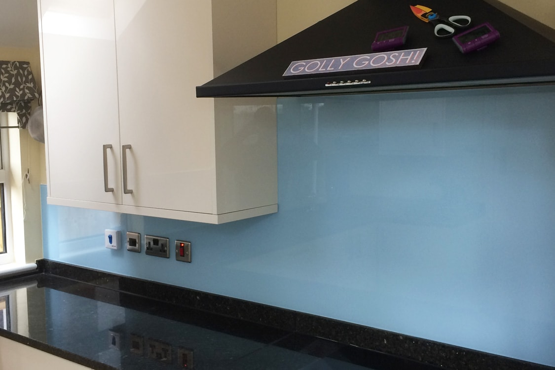 Glass Splashback Coloured in Smeg Blue