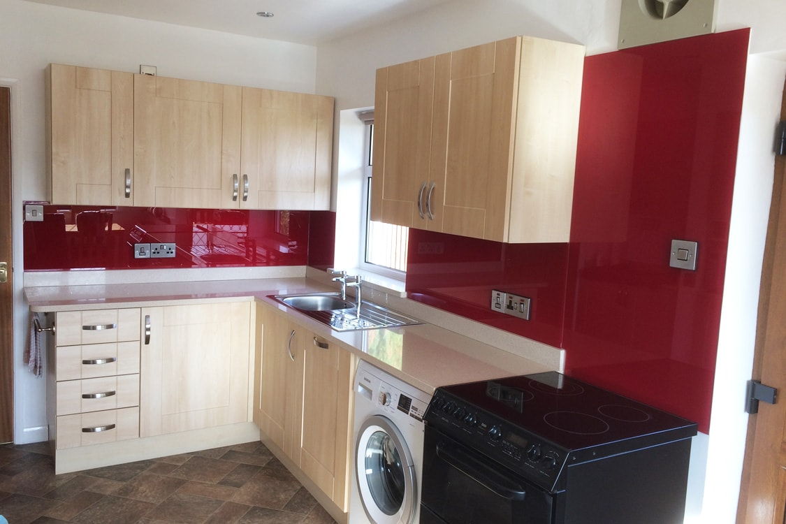 Red Bordeaux Glass Splashback