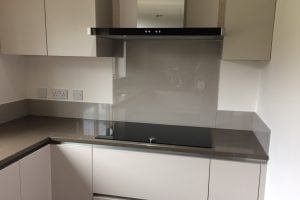 Kitchen Glass Splashback Behind Cooker Top in Charleston Gray