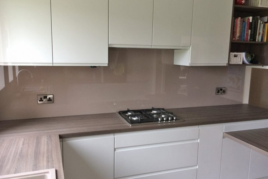 Kitchen Glass Splashback Coloured in Dead Salmon from Farrow and Ball