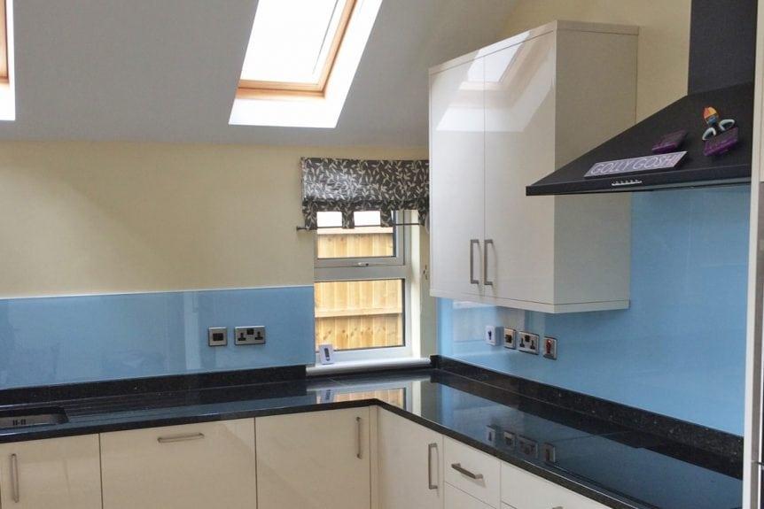 Kitchen Glass Splashback Coloured in Smeg Blue