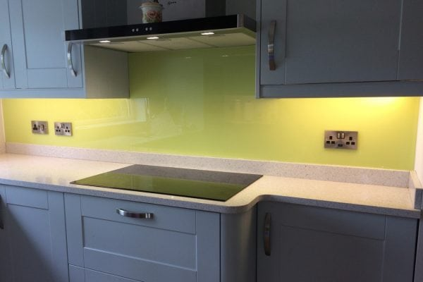 Kitchen Glass Splashback Coloured in Lemon Chiffon-min