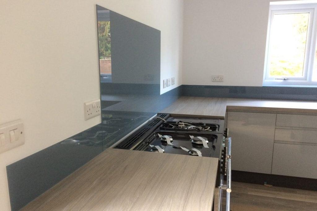 dulux denim drift toughened kitchen glass splashback. Black Bedroom Furniture Sets. Home Design Ideas