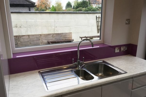 Toughened Glass Sill and Splashback in Dulux Passion Flower-min
