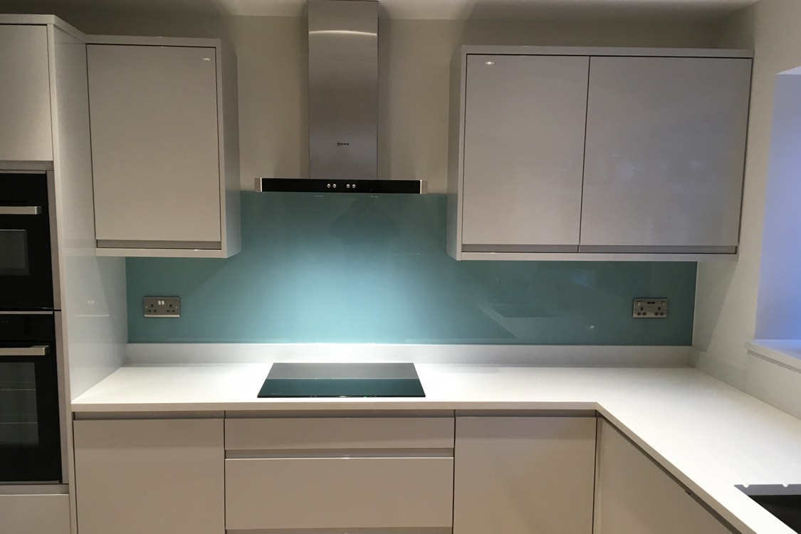 Farrow and Ball Dix Blue No.82 Top Hat Glass Splashback