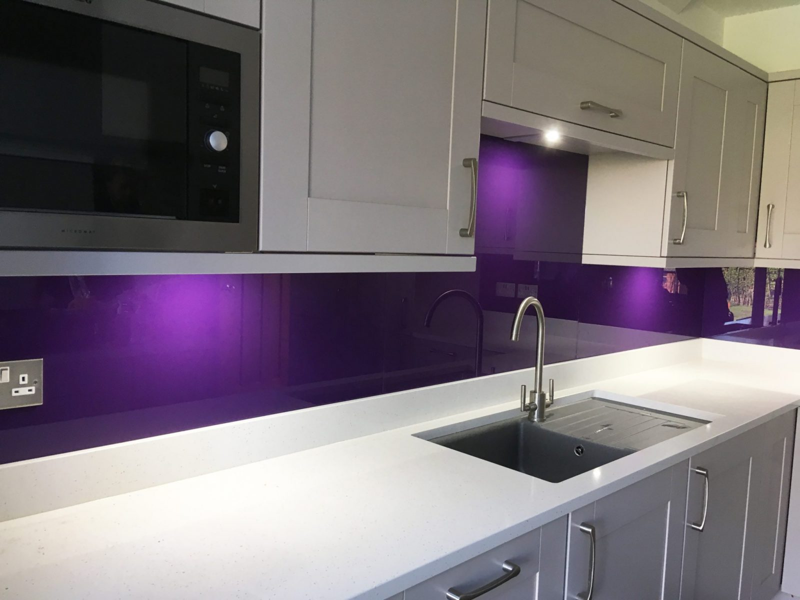 Toughened Glass Splashback in Kitchen