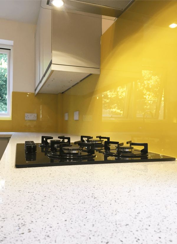 Stunning Toughened Glass Splashback Coloured in Dulux Zanzibar Dream