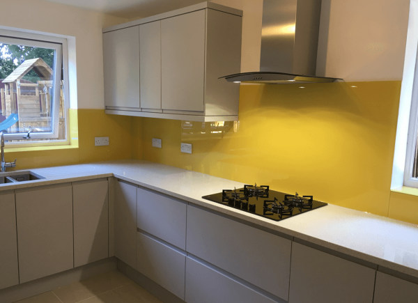 Toughened Glass Splashback Coloured in Dulux Zanzibar Dream
