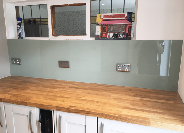 Vert De Terre Kitchen Glass Splashback