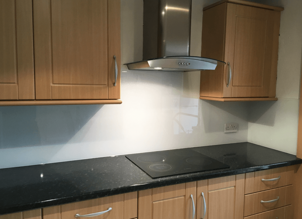 White with Super Effect Prism Green Sparkle Glass Splashback Glass Splashbacks