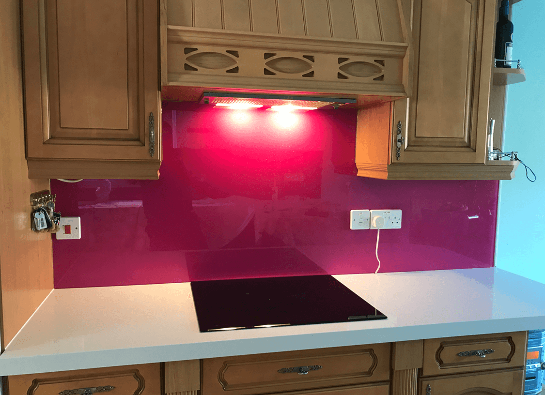 Fuchsia with Medium Sparkle Glass Splashback