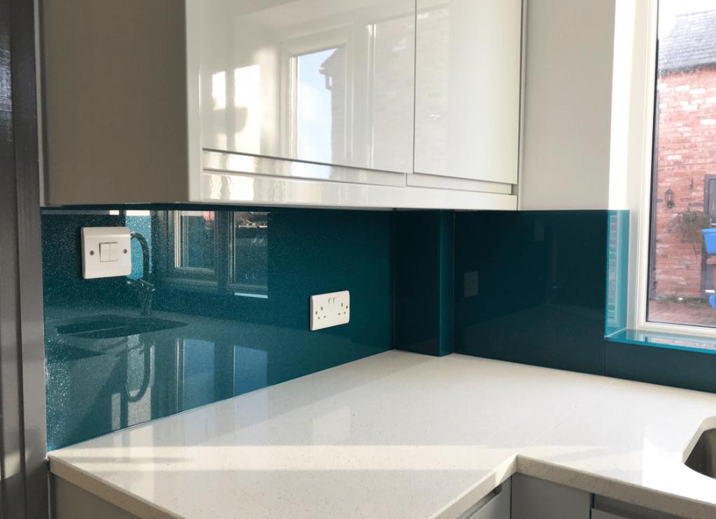 Dulux Inky Pool 1 with Medium Sparkle Glass Splashback Glass Splashbacks