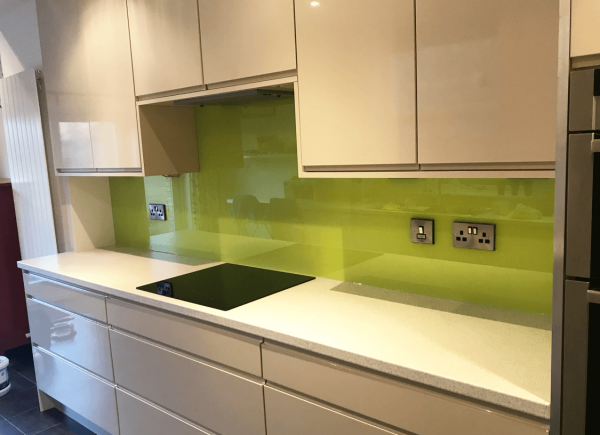 Kitchen Glass Splashback Coloured in Dulux Luscious Lime