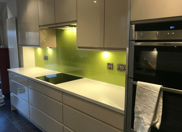 Toughened Glass Splashback Coloured in Dulux Luscious Lime