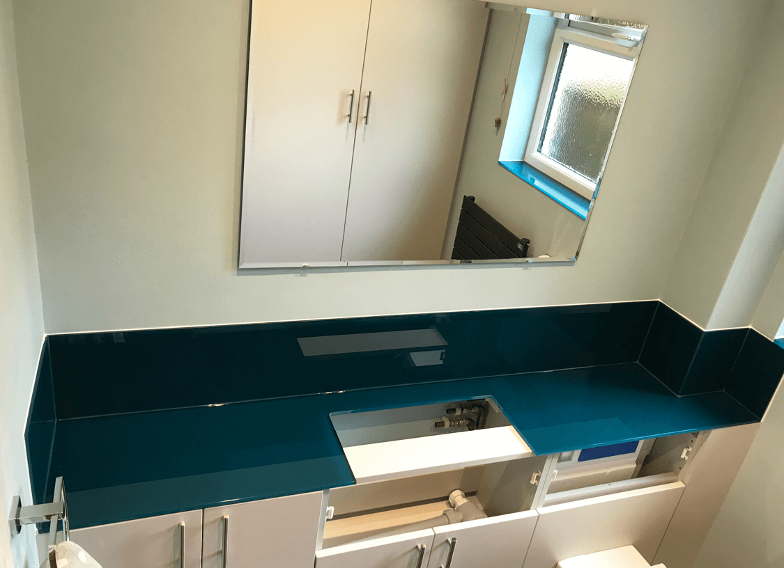 Glass Worktops and Mirrors Glass Splashbacks