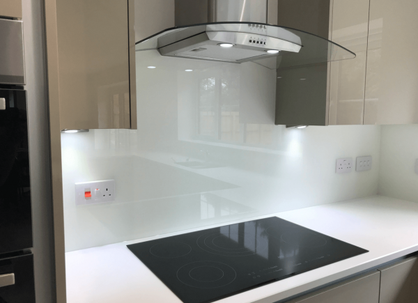 Off White Glass Splashback Curved to Cooker Hood